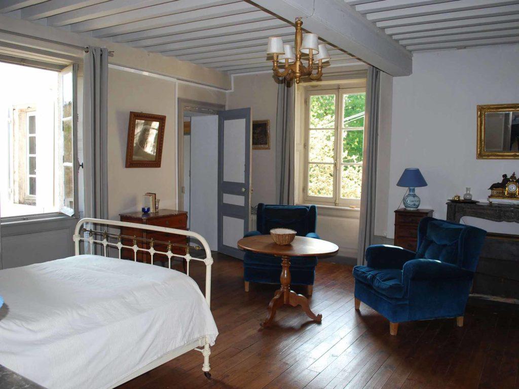 chambre double lit 140